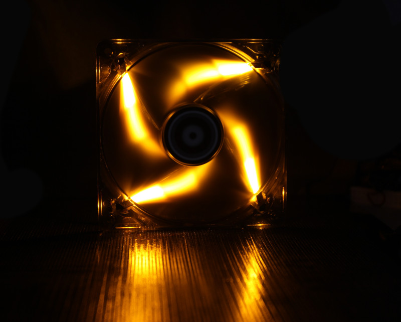 BitFenix Spectre 120mm LED Case Fan: 7001800RPM  Orange LED